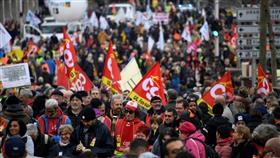 مظاهرات حاشدة بفرنسا احتجاجًا على إصلاح أنظمة التقاعد