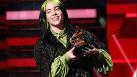 المغنية الأمريكية بيلي إيليش تكتسح جوائز «غرامي»