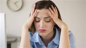 النساء أكثر قلقاً وإرهاقاً أثناء وباء كورونا من الرجال