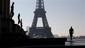 باريس ومدن فرنسية تستعد لحظر التجول لمنع تفشي فيروس كورونا