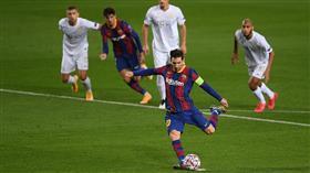 برشلونة يسحق فرينكفاروزي بخماسية في دوري الأبطال