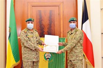 الحرس الوطني يكرم صاحب المركز الأول في دورة المشاة المتقدمة