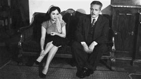 شادية في صورة نادرة مع والدها بخمسينيات القرن الماضي