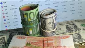 الحكومة الروسية تقدم مشروع خطة اقتصادية بأكثر من 1,5 تريليون دولار