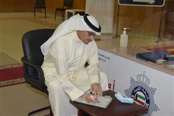 محمد براك المطير لدى تقديمه طلب الترشح