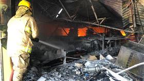 حريق سوق مركزي بالشويخ الصناعية