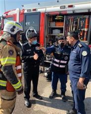 الفريق النهام ومدير عام أمن محافظة العاصمة وقائد منطقة الشويخ يتفقدون موقع حريق الشويخ