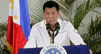 الرئيس الفلبيني يوافق على انهاء حظر سفر العاملين في المجال الطبي للخارج