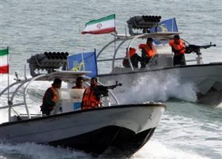 مناورات إيرانية في الخليج بـ«ألف قطعة بحرية»