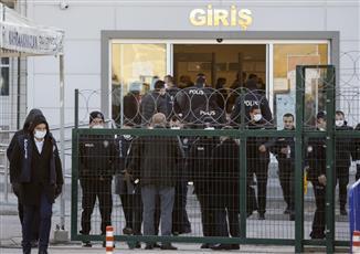 السجن المؤبد لمئات الأشخاص في قضية الانقلاب الفاشل بتركيا