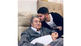 حفيد مبارك ينشر صورة للرئيس السابق بعد أزمته الصحية