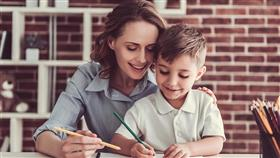 هكذا تجعلين ابنك متميزاً دراسياً