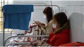 فيتنام تفرض حجراً صحياً على 10 آلاف شخص بسبب كورونا