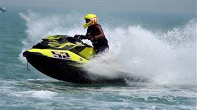 انطلاق الجولة الأولى من بطولة العالم للدراجات المائية في الكويت