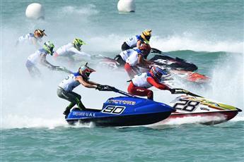 انطلاق «بطولة العالم للدراجات المائية» في الكويت