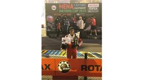 البطل الكويتي الخالد يحقق المركز الأول في بطولة «المينا للكارت» بمسقط