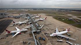 إيقاف 8 طائرات بمطار «هيثرو» للاشتباه في إصابة ركاب بفيروس «كورونا»