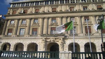 الجزائر: الميزان التجاري سجل عجزاً بـ6 مليارات دولار في 2019