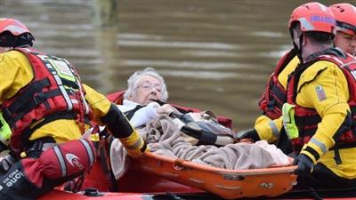 بريطانيا: العاصفة «دينيس» تتسبب في أمطار غزيرة وفيضانات