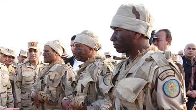 الجيش المصري يجري تدريبات قتالية