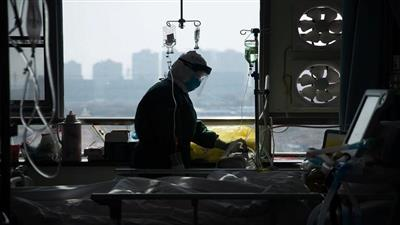 صيني يصاب بـ«كورونا» للمرة الثانية بعد شفائه منه