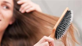 هذه الطرق تنظف الشعر من دون ماء