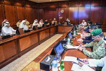 وزير الداخلية: توجيهات سمو الأمير تشدد على تكريس كل الإمكانات لحماية صحة أهل الكويت وسلامتهم