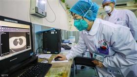 هل يصيب فيروس كورونا المريض مرتين؟