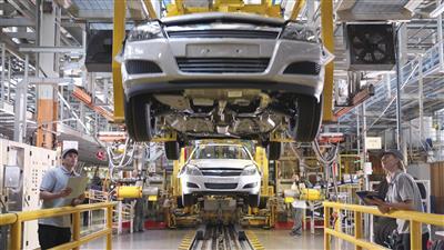 «كورونا» يهدد صناعة السيارات «بالشلل»