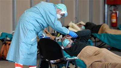 «كورونا».. مشاهد صعبة في مستشفيات إسبانيا