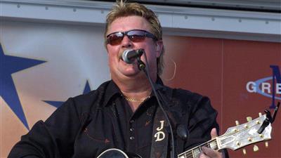 وفاة المغني الأمريكي جو ديفي بفيروس كورونا