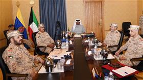 وزير الدفاع بحث مع قيادات الجيش دعم الجهود الحكومية في مواجهة كورونا
