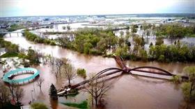 انهيار سدين بولاية ميشيغان الأمريكية عقب فيضانات.. وتشريد الآلاف