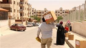 الهلال الأحمر ينفذ حملة إغاثية لألفي أسرة سورية لاجئة بالأردن