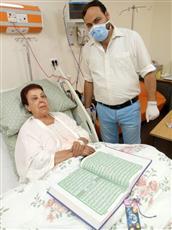 أول صورة للفنانة رجاء الجداوي من مستشفى العزل