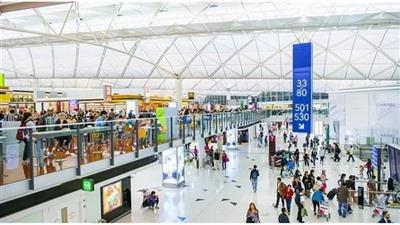 مطار هونغ كونغ يستأنف جزئياً خدمات العبور