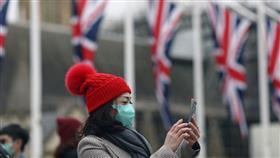 بريطانيا.. نظام جديد لتعقب المصابين المحتملين بكورونا