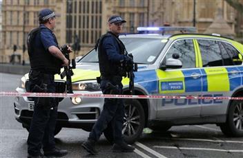 سيارة مجهولة تدهس 8 أشخاص في وسط لندن