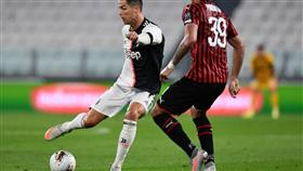 يوفنتوس يتأهل لنهائي الكأس على حساب ميلان في أول مباراة بعد الاغلاق