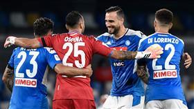 نابولي يطيح بالإنتر ويضرب موعدًا مع يوفنتوس في نهائي كأس إيطاليا