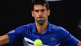 إصابة نجم التنس نوفاك ديوكوفيتش بفيروس كورونا