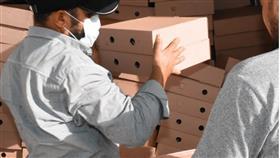 «النجاة الخيرية» وزعت أكثر من 198 ألف وجبة غذائية للعاملين بالصفوف الأمامية والمتضررين من كورونا