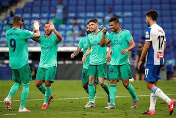 ريال مدريد يهزم إسبانيول ويبتعد بصدارة الليغا