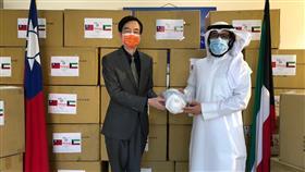 د. سلمان الصباح: معدات حماية شخصية من تايوان لدعم الطاقم الطبي الكويتي