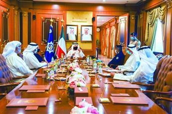وزير الداخلية خلال الاجتماع