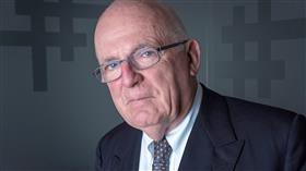 المدير السابق للمخابرات الخارجية في بريطانيا ريتشارد ديرلوف