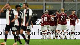 ميلان يقلب الطاولة على اليوفي في قمة الدوري الإيطالي