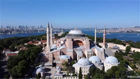 الرئيس التركي يوقع مرسوم تحويل آيا صوفيا إلى مسجد