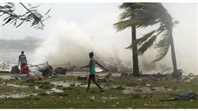 الإعصار دوغلاس يتجه نحو هاواي بسرعة 140 كيلومتراً