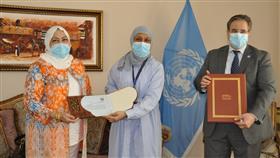 ذوي الإعاقة تسلم الدكتور طارق الشيخ إهداء المبادرة الوطنية لذوي الإعاقة لمكافحة كورونا